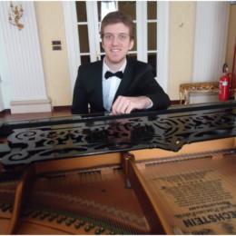Valerio Sannoner pianista